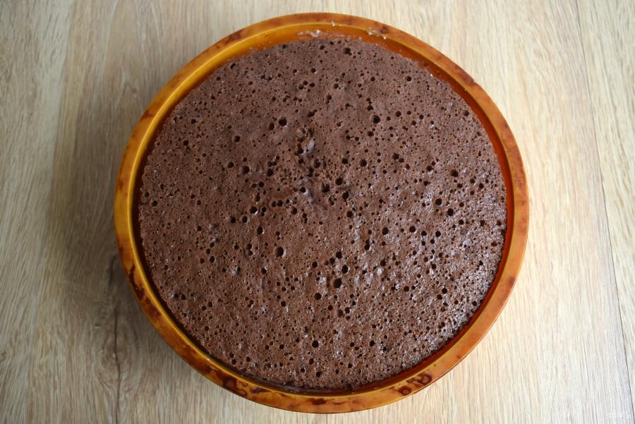 Бисквитный торт с творожным кремом - фото шаг 10