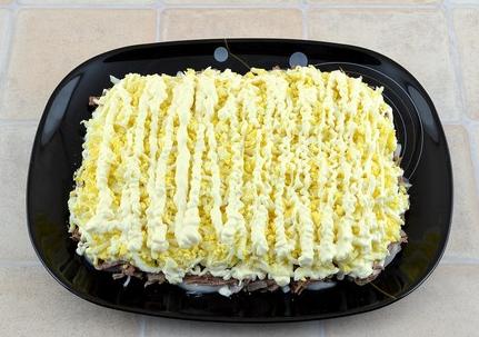 Простой салат из говядины - фото шаг 8