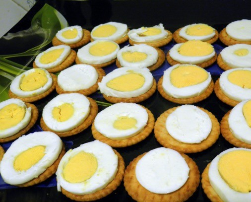 Маленькие бутерброды для закуски - фото шаг 2