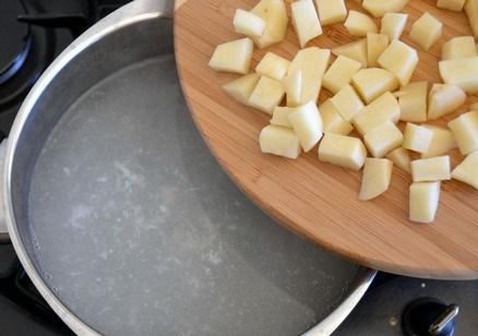 Грибной суп с сырками - фото шаг 8
