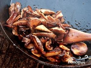 Капуста с грибами в горшочке - фото шаг 2