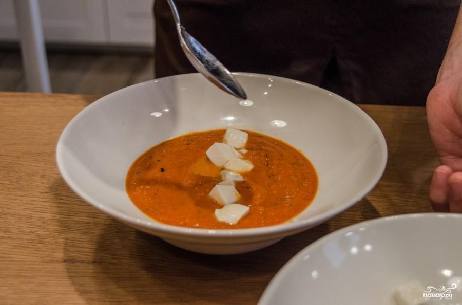 Cуп из томатного сока с сыром - фото шаг 5