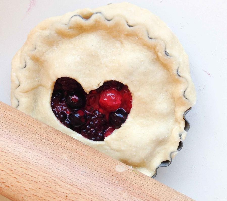 Корзиночки из творожного теста с ягодами - фото шаг 7