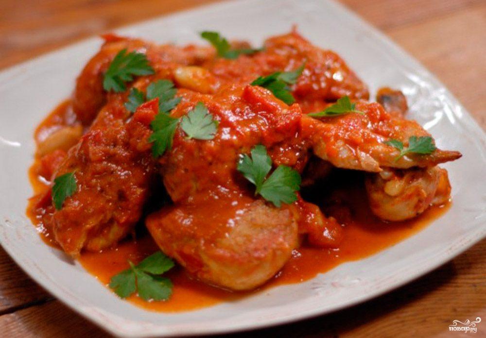 Курица в томатном соусе в духовке