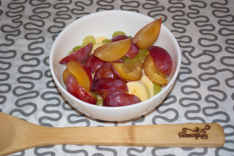 Сыроедческий салат из фруктов - фото шаг 3