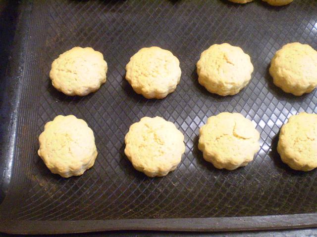 Простое печенье на маргарине - фото шаг 9