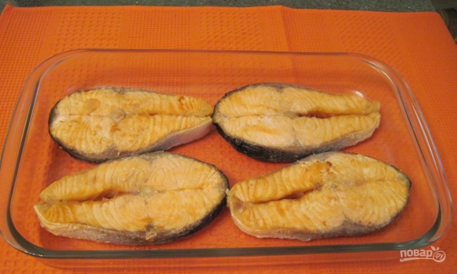 Красная рыба под соусом в духовке - фото шаг 2