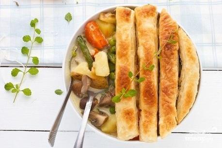 Рецепт Ленивый вегетарианский пирог в горшочке с овощами