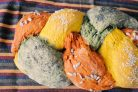 Трёхцветный хлеб с натуральными красителями