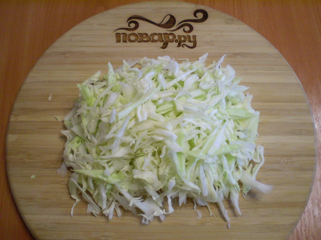 Тушеная капуста с кабачками - фото шаг 2
