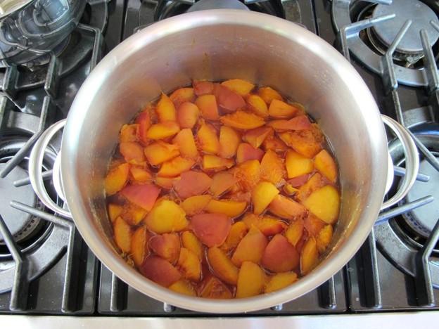Варенье из персиков с сахаром - фото шаг 2