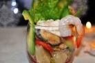 Салат с копчеными мидиями