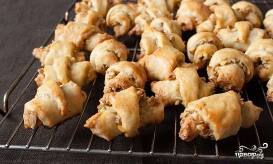 Рецепт Рогалики творожные с орехами