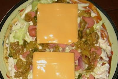 Шаурма с колбасой и сыром - фото шаг 3