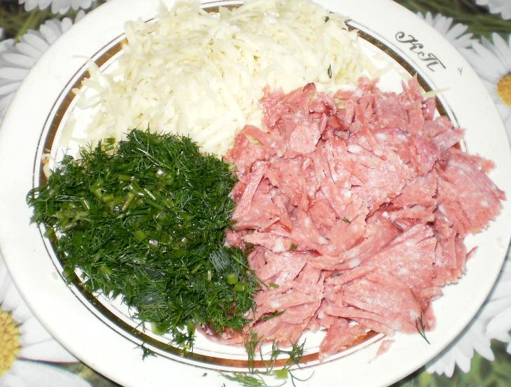 Рецепт Пирожки с колбасой и сыром