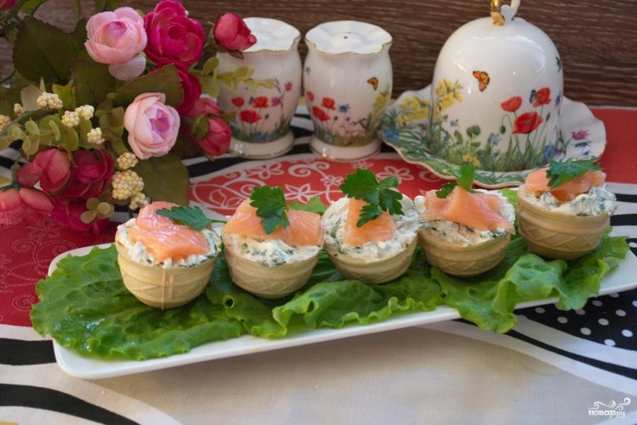 Тарталетки с творожным сыром и семгой - фото шаг 6