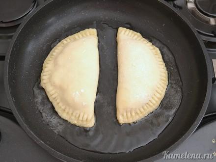 Пирожки с курицей и сыром - фото шаг 12