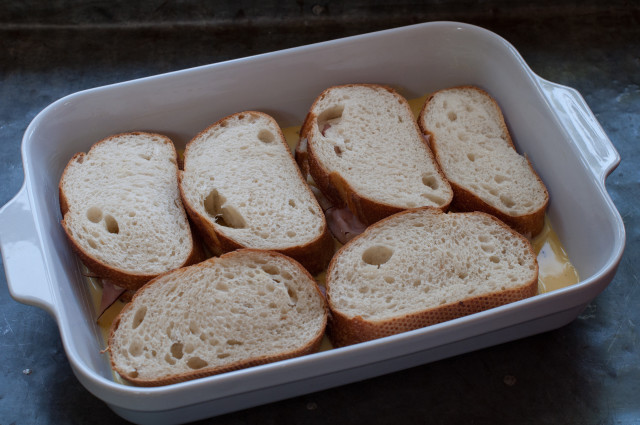 Горячие бутерброды с ветчиной и сыром - фото шаг 4