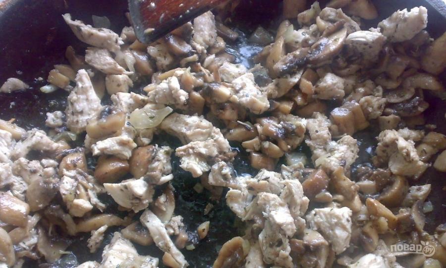 Пирог с курицей и грибами - фото шаг 3