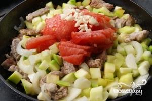 Мясо с кабачками и картофелем - фото шаг 4