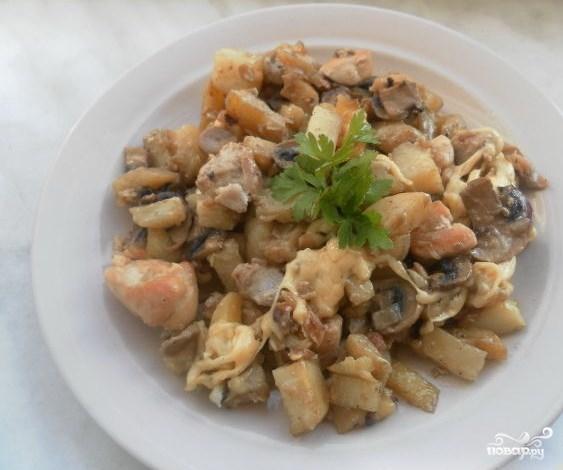 Картошка с курицей и шампиньонами