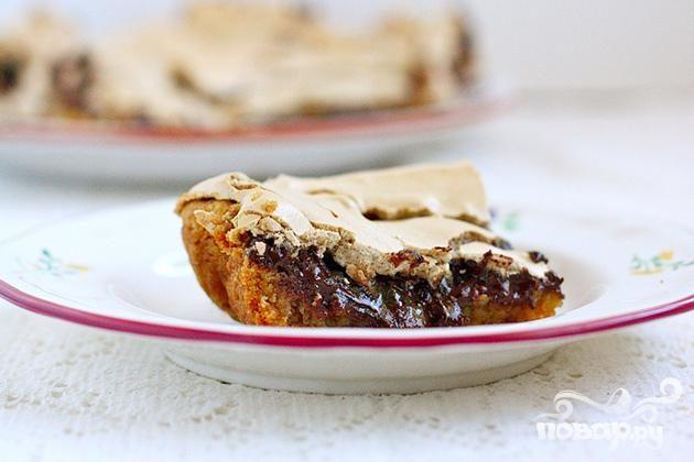 Пирожные с шоколадом и безе