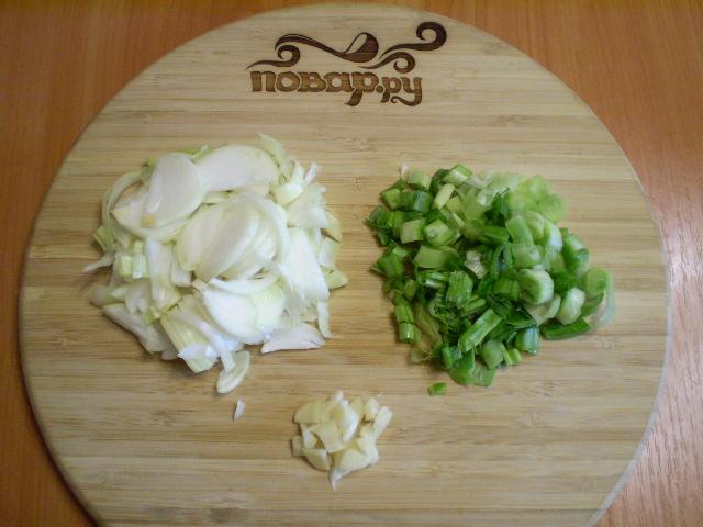 Тушеная картошка с курицей в мультиварке - фото шаг 4