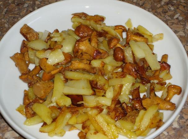 как пожарить вкусно картошку с лисичками