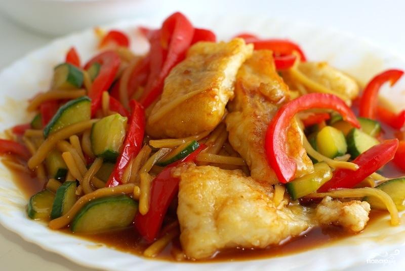 Тушеная рыба с овощами - фото шаг 9