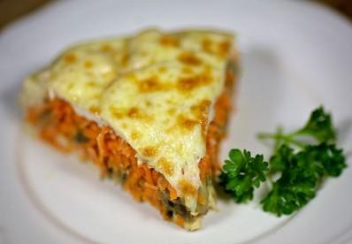 Запеканка с морковью, грибами и курицей - фото шаг 14