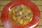 Картошка со свининой и помидорами