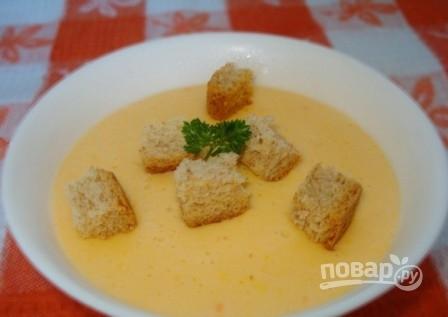 Сырный суп-пюре с гренками - фото шаг 7