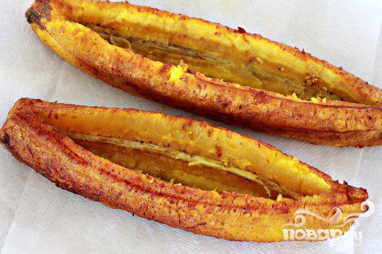 Лодочки из бананов с мясной начинкой - фото шаг 3