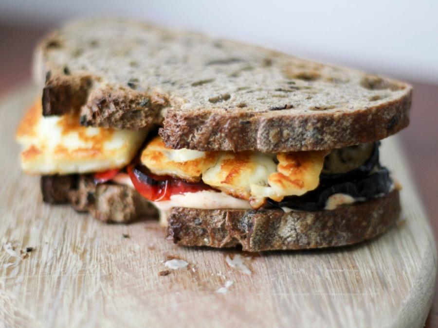 Бутерброды с баклажанами и чесноком - фото шаг 4