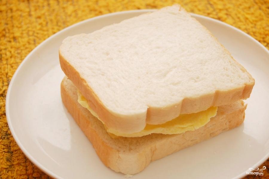 Бутерброд с омлетом - фото шаг 5