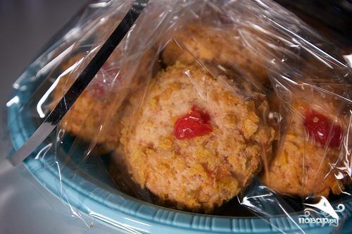 Печенье с орехами и мараскиновой вишней