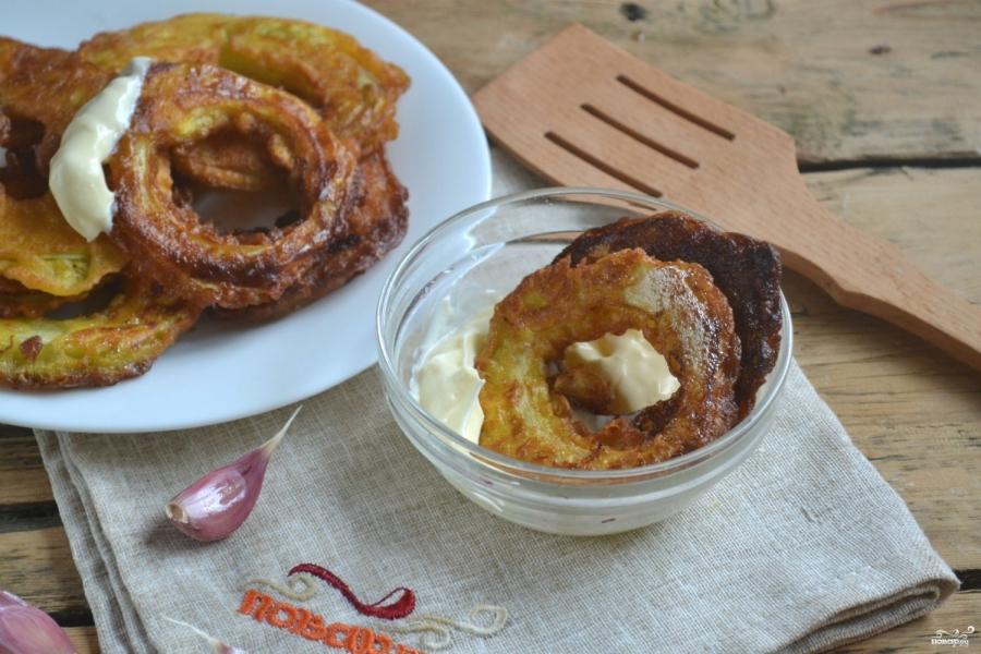 Кабачки в кляре на сковороде с чесноком - фото шаг 8