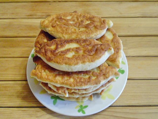 Пирожки с капустой и грибами жареные - фото шаг 15