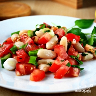 Салат из помидоров и фасоли - фото шаг 8