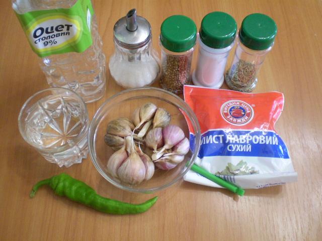 Маринованный чеснок быстрого приготовления - фото шаг 1