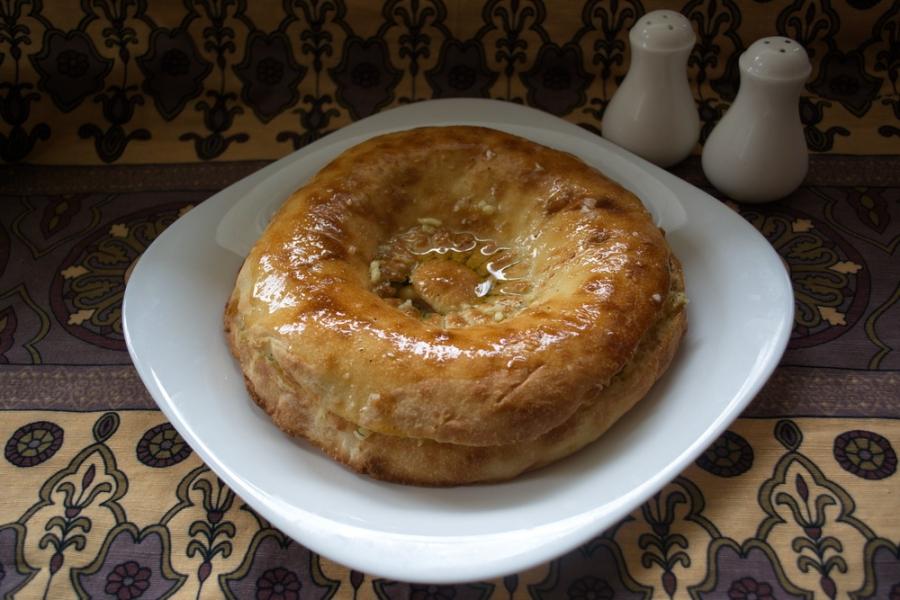 Толстый лаваш с сыром и бужениной - фото шаг 8