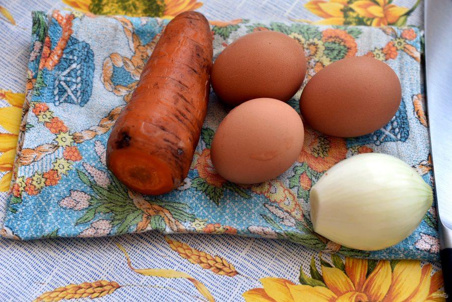 Салат с морковью и копченой горбушей