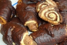 Шоколадные рогалики с кокосовой начинкой