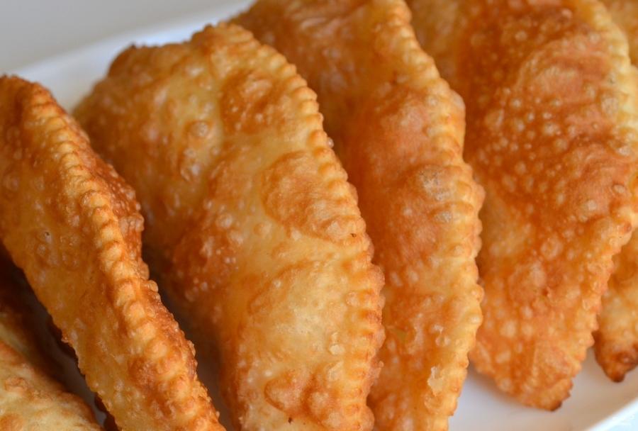 Чебуреки сырные - фото шаг 4