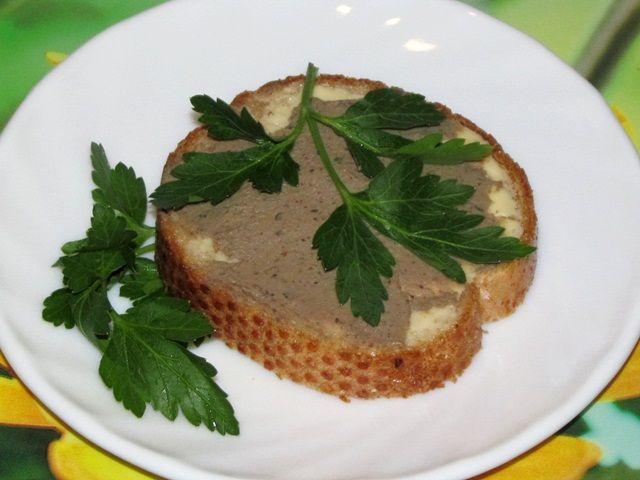 Бутерброды с паштетом из печени - фото шаг 9