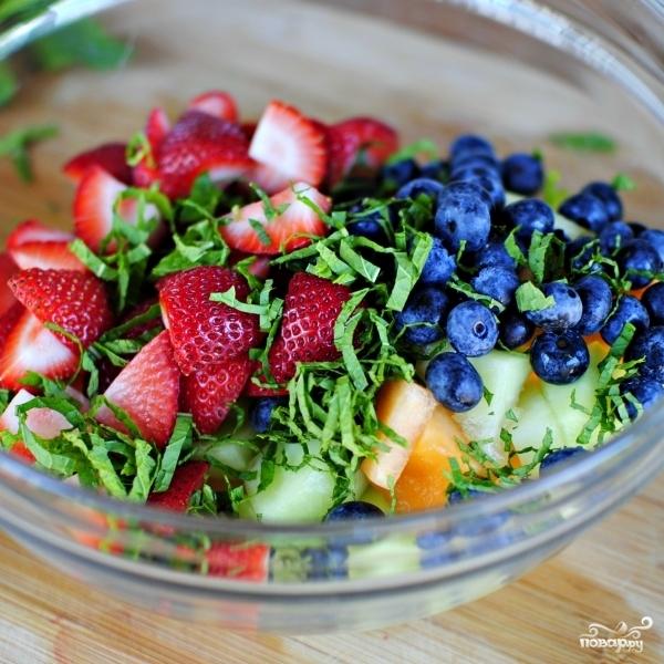 Салат из фруктов - фото шаг 6
