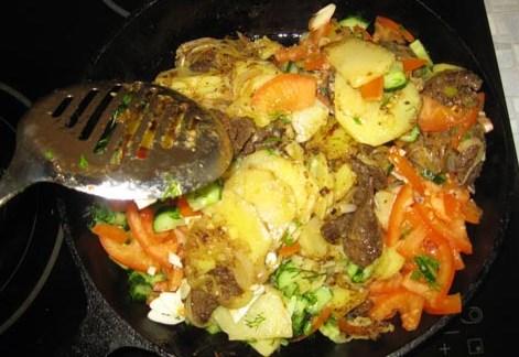 Жареная говядина с картошкой - фото шаг 17