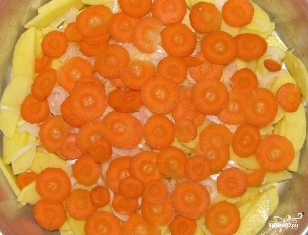 Скумбрия в духовке с картофелем - фото шаг 8
