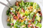 Шустрый салат с сухариками
