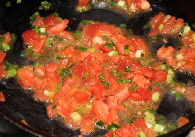 Рецепт Омлет с колбасой, помидорами и сыром
